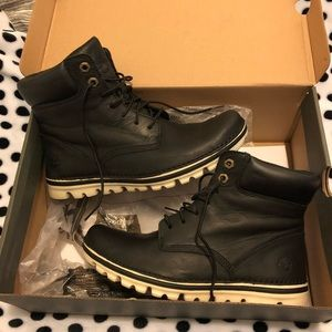 Timberland Women's Brookton Leather Boots 7.5